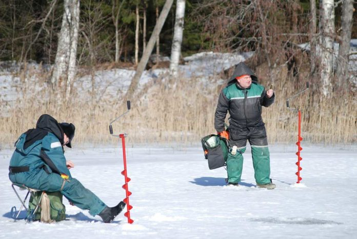 Essential Ice Fishing Gear | Outdoor Newspaper